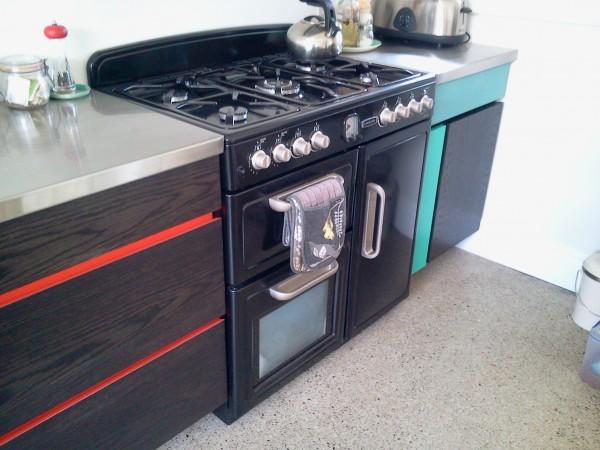 <span>Colour/ Oak Designer Kitchen</span><i>→</i>