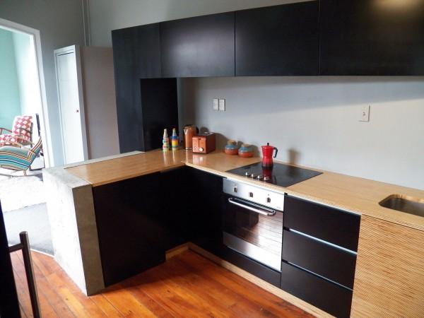 <span>Industrial Kitchen, Concrete/Black/Layered</span><i>→</i>