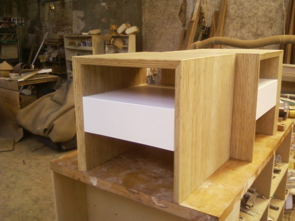 <span>Custom Made Bedside Table</span><i>→</i>