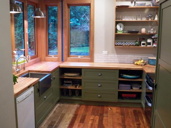 <span>Otatara/ Invercargill Country Kitchen</span><i>→</i>